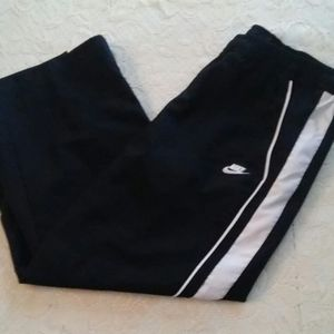 Nike Cropped Size Small